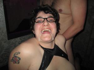 Она не только эротику любит - фото #27