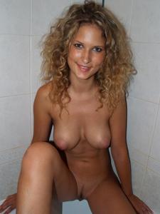 Кудряшка Нина с веселыми сосками - фото #25