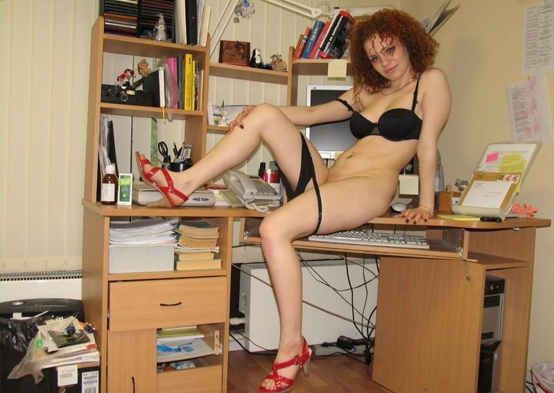 На работе девушка модели онлайн фролово