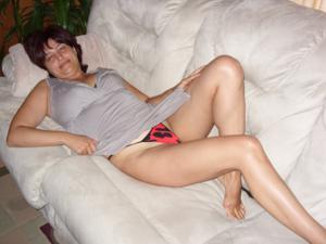 Довольная Сильвия ебется с негром - фото #2