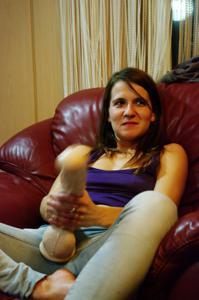 Пьяная Тина подергала себя за соски и достала огромный дилдак - фото #14