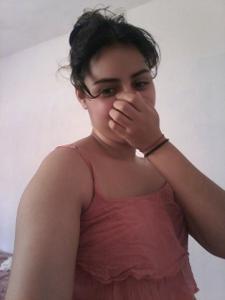 Молодая арабка светанула сиськи - фото #18