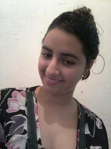 Молодая арабка светанула сиськи - фото #2