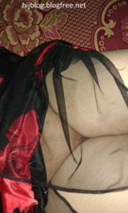 Молодая арабка светанула сиськи - фото #8