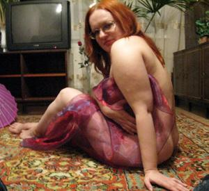 Морщинистая попка рыжей милфы - фото #44