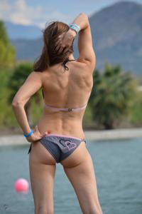 Спортсменка Настя в купальнике - фото #12