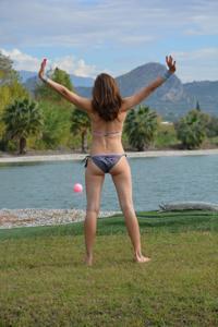 Спортсменка Настя в купальнике - фото #3
