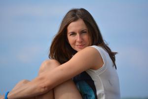 Спортсменка Настя в купальнике - фото #32