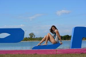 Спортсменка Настя в купальнике - фото #33