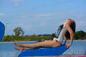 Спортсменка Настя в купальнике - фото #35