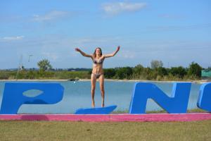 Спортсменка Настя в купальнике - фото #57