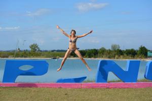 Спортсменка Настя в купальнике - фото #58