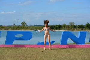 Спортсменка Настя в купальнике - фото #60