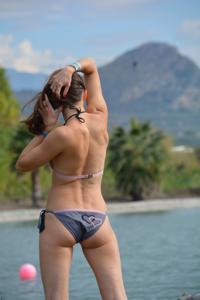 Спортсменка Настя в купальнике - фото #8