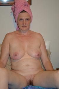 Зрелая женщина которая ебется без эмоций - фото #13