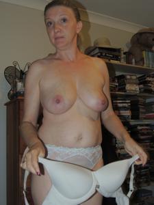 Зрелая женщина которая ебется без эмоций - фото #24