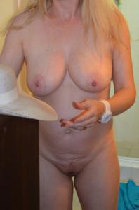 Зрелая женщина которая ебется без эмоций - фото #27
