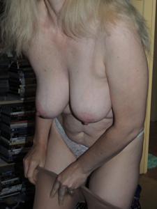 Зрелая женщина которая ебется без эмоций - фото #3