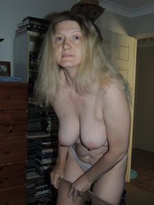 Зрелая женщина которая ебется без эмоций - фото #30