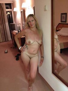 Голые женщины в гостиницах - фото #16