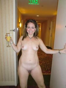 Голые женщины в гостиницах - фото #2