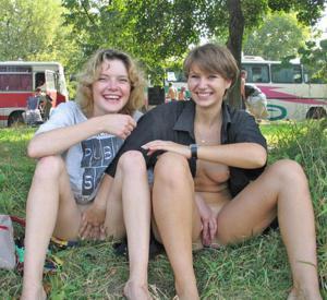 Однополая любовь подруг и жен - фото #25