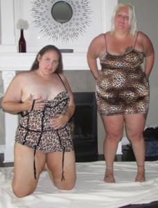 Би парочка толстеньких женщин - фото #13