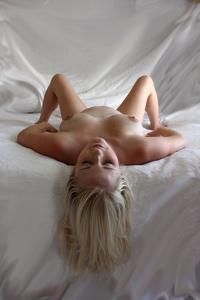 Голые беременные француженки - фото #2