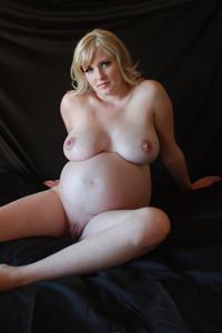 Голые беременные француженки - фото #20