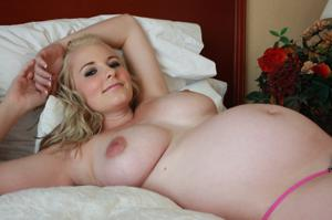 Голые беременные француженки - фото #24