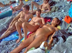 Голые беременные француженки - фото #6