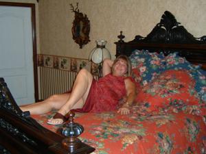 Влюбленный муж делится фотками своей жены - фото #30