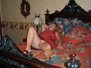Влюбленный муж делится фотками своей жены - фото #31