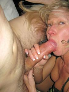 Полячка развлекается не только с хером мужа, но и секс игрушками - фото #16