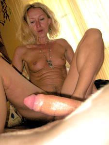 Полячка развлекается не только с хером мужа, но и секс игрушками - фото #72