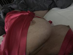 Сисястая милфа любит короткие платья - фото #50