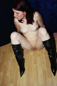 Пьяная голая немка - фото #15