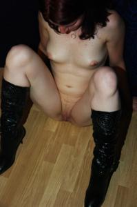 Пьяная голая немка - фото #9