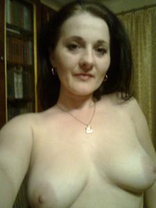 Элегантная голенькая женщина - фото #20