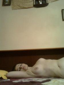 Элегантная голенькая женщина - фото #5