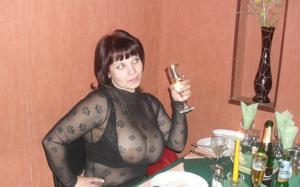 Очень грудастая русская брюнетка - фото #7