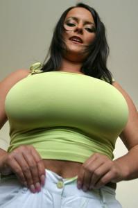 Баба с огромными дойками - фото #58