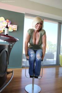 Зрелая сосалочка Кэти - фото #18