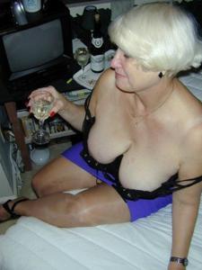 Сексуальные и голые старушки - фото #27