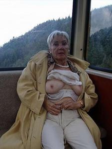 Сексуальные и голые старушки - фото #60