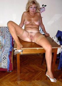 Подборка голых взрослых блондинок - фото #17