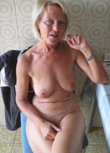 Подборка голых взрослых блондинок - фото #2