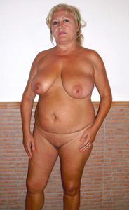 Подборка голых взрослых блондинок - фото #23