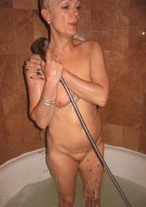 Подборка голых взрослых блондинок - фото #28