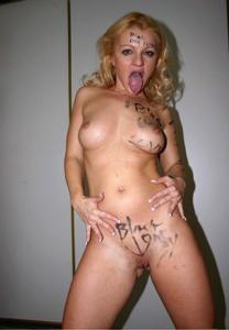 Подборка голых взрослых блондинок - фото #39